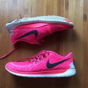 Nike Free 5.0 like new hot pink - 8.5
